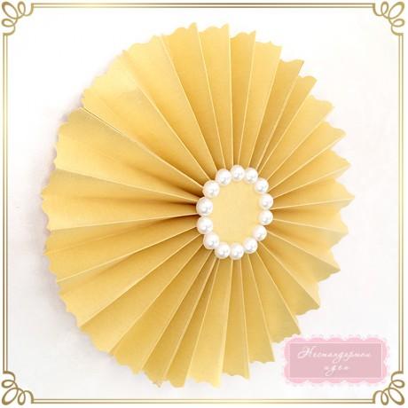 Златно ветрило с перли