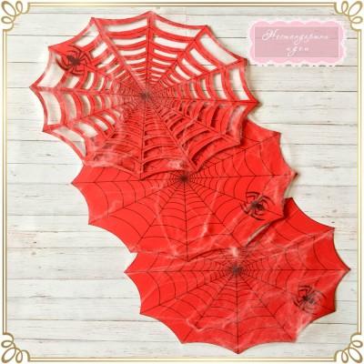 Подложки, обвити с изкуствена паяжина
